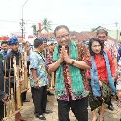 Menteri Koperasi  Sebut Tenun Baduy Perlu Ditingkatkan Kualitasnya