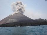 Basarnas Awasi Ketat Gunung Anak Krakatau