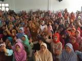 Adde Rosi Tinjau Penyaluran Bantuan Jamsosratu di Pandeglang