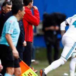 Kebelet BAB, Sergio Ramos Tinggalkan Lapangan