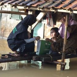 Bantu Korban Banjir, Dompet Dhuafa Dirikan Posko Pengungsi dan Dapur Umum