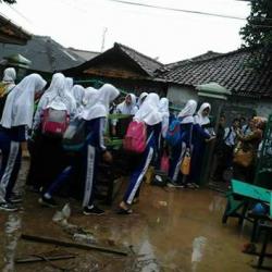Terendam Banjir Dua Sekolah di Cilegon Terpaksa Libur