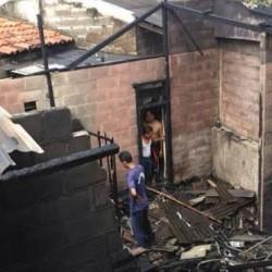 Rumah Kontrakan di Cilegon Ludes Terbakar