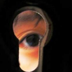 Mengintip Perempuan Mandi, Orang Ini Masuk Surga