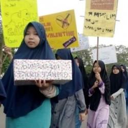 Pelajar Tangerang Suarakan Takbir Tolak 'Valentine's Day'