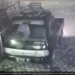 Maling Mobil Milik Pedagang Sayuran Terekam CCTV