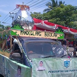 Pawai Ta'aruf MTQ tingkat Provinsi Banten Berlangsung Meriah