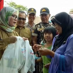 Buka Pasar Murah di Bojongmanik, Pemkab Sediakan 4000 Paket