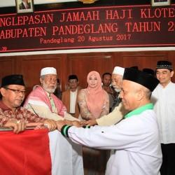 Bupati Pandeglang Kembali Lepas dan Antar Jemaah Haji