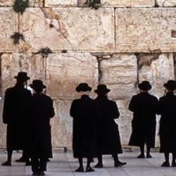 Allah Melaknat Orang Yahudi dalam Alquran