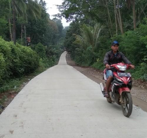 Jalan Gunungsari-Tanjung Dibeton, Warga: Terima Kasih Ibu Bupati