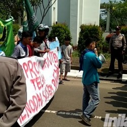 Demo Hardiknas, Kumala Tuntut WH-Andika Realisasikan Janji Kampanye Soal Pendidikan