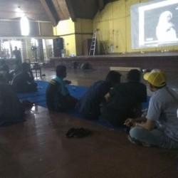 Kompak, Pendukung Vera-Nurhasan Memilih Nobar Debat di Gedung Golkar
