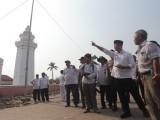 Di Banten Lama, Andika Urusi Payung Madinah Sampai Toilet