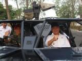 Andika Diajak Keliling  Naik Kendaraan Taktis Militer Grup 1 Kopassus