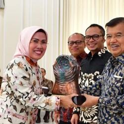 Bupati Serang Raih Paritrana Award