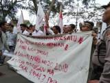 Demo di DPRD Banten, Mahasiswa Tuntut Stabilkan Perekonomian Atau…