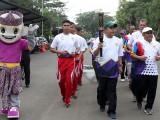 Semarak Porprov V Dimulai, Pj Sekda Lepas Pawai Obor Keliling Banten