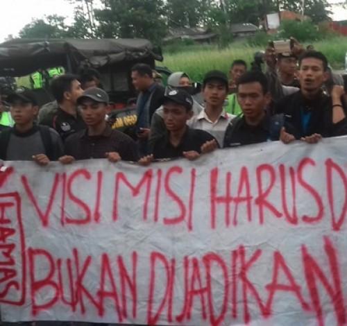 Sertijab Walikota dan Wakil Walikota Serang Diwarnai Demo Mahasiswa