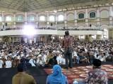 Ribuan Warga Padati Tablig Akbar Bersama Ustadz Adi Hidayat