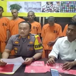 Lima Pengguna dan Pengedar Sabu Ditangkap, Satu Tersangka DPO