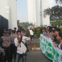 Demo, HMI Sebut Gubernur Banten Wahidin Halim Arogan dan Pengecut