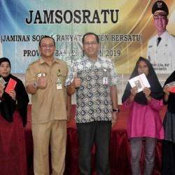 Pejabat Dinsos NTB Pantau Langsung Penyaluran Jamsosratu