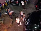 Momen Arus Mudik di Pelabuhan Merak, Anak-Anak Jualan Kopi dan Alas Duduk