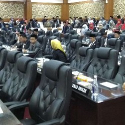 Banyak Kursi Kosong di Paripurna DPRD Peringatan HUT RI ke-74 Tahun