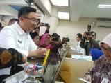 Rayakan Hari Pelanggan Nasional, Andika Kunjungi Bank bjb Banten