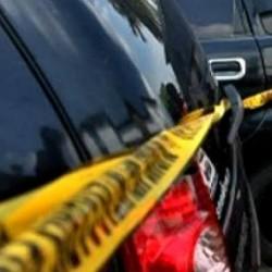 Terjebak Got, Pencuri Mobil Tertangkap Warga