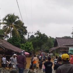 Banjir Bandang, Tujuh Desa di Cipanas Lebak Terendam