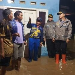 Kapolres Serang dan Dandim Temui Korban Banjir di Kopo