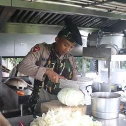 Brimobda Banten Kerahkan Mobil Dapur di Lokasi Banjir Lebak