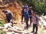 Diduga Penyebab Banjir dan Longsor, 10 Tambang Emas Ditutup