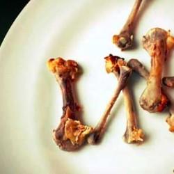 Haramkah Memakan Sisa Darah di Makanan?