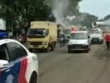 Polres Serang dan PMI Semprot Disinfektan di Jalan Ciruas-Cikande