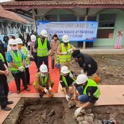 Biaya Swadaya, SMAN Ciruas Bangun Masjid Dua Lantai