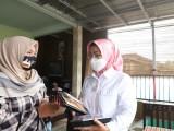 Dihadiahi Kue Gulacir, Ratu Tatu Diapresiasi Pelaku UMKM
