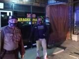 Personil Polres Serang Amankan Dua Pemandu Lagu, Kenapa?