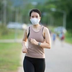 Bolehkah Pakai Masker Saat Olahraga? Ini Penjelasannya