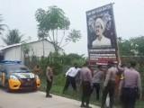 Di Wilayah Hukum Polres Serang, Spanduk dan Baligho Ilegal Diturunkan