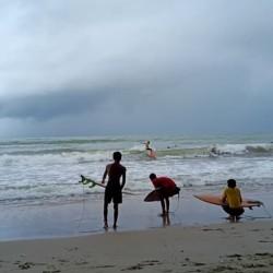 Terapkan Prokes, 70 Peselancar Ramaikan Carita Surf Festival 2020