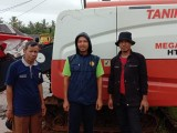 Gapoktan Prabu Jaya Sakti Malingping Terima Bantuan Alsintan Combine