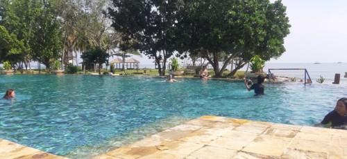 Menikmati Keasrian dan Keindahan Pantai Tanjung Lesung
