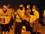 Giliran Para Nelayan Terima Bantuan Paket Sembako dari Polres Serang