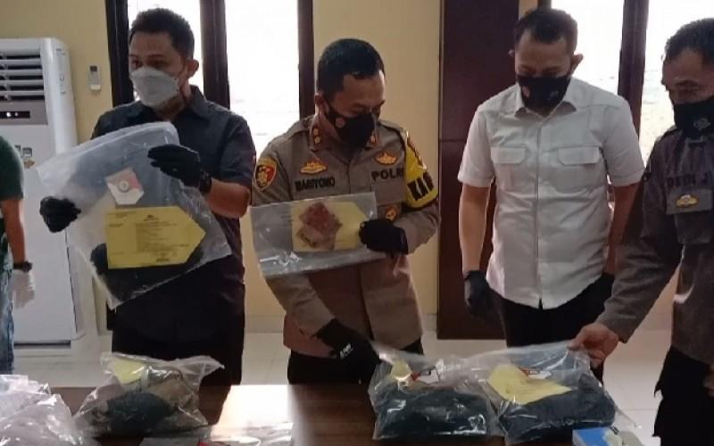 Polres Serang Tangkap Dua Pembunuh Wanita yang Jasadnya Ditimbun Pasir